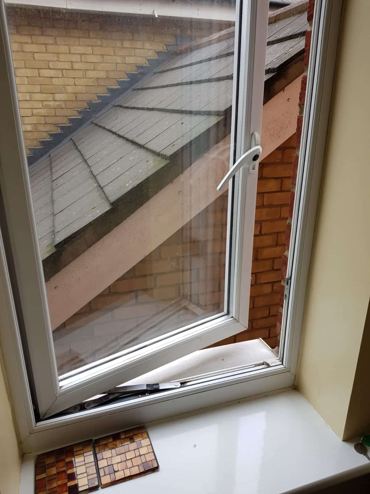 Child Safety Window Catch not fitted